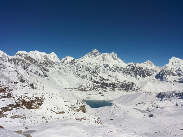 The amazing views from Renjo La. Mt Everest, Lhotse, Makalu all over 8000 meters!!