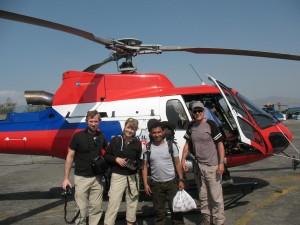 Inget aprilskämt :)  Vi tog helikopter till Lukla!
