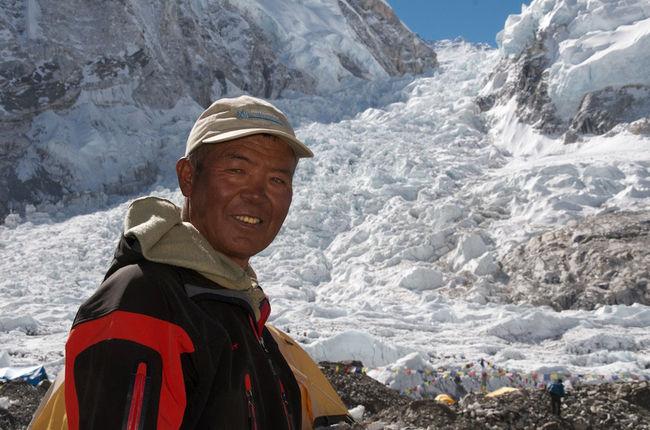 ice-fall-doctor-ang-nima-sherpa1