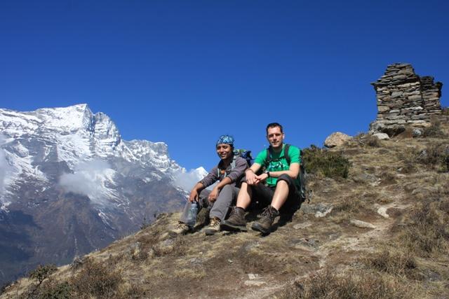 Bikram och Marten hogt uppe pa Khunde Ri ovanfor Namche
