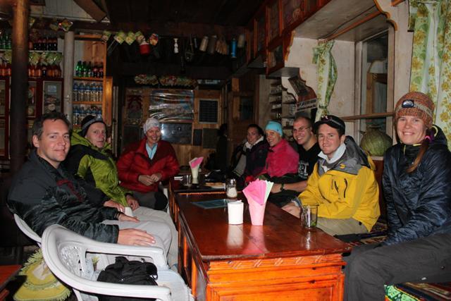 Forsta kvallen bland bergen.  Lodgen ligger i Benkar.