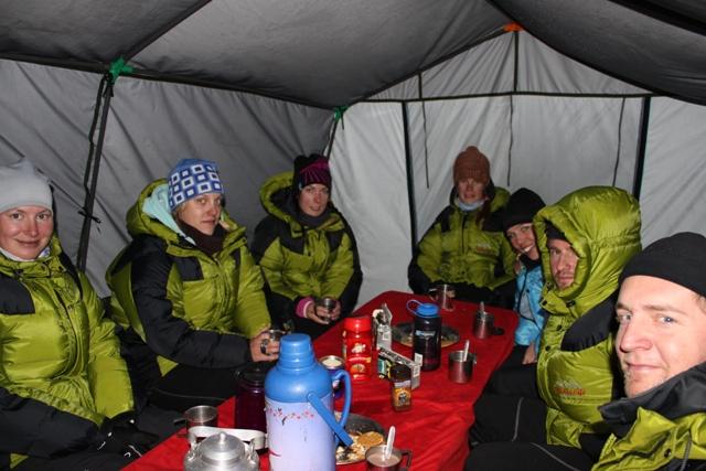 Middagsdags i Island Peak baslager
