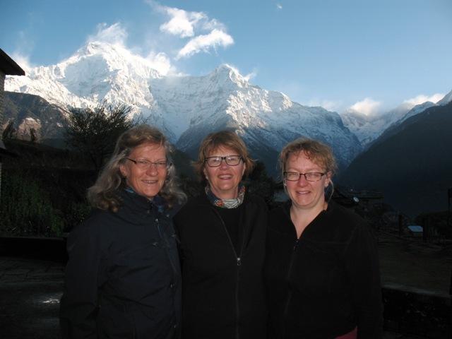 Ulla, Lena & Malin i Ghandruk