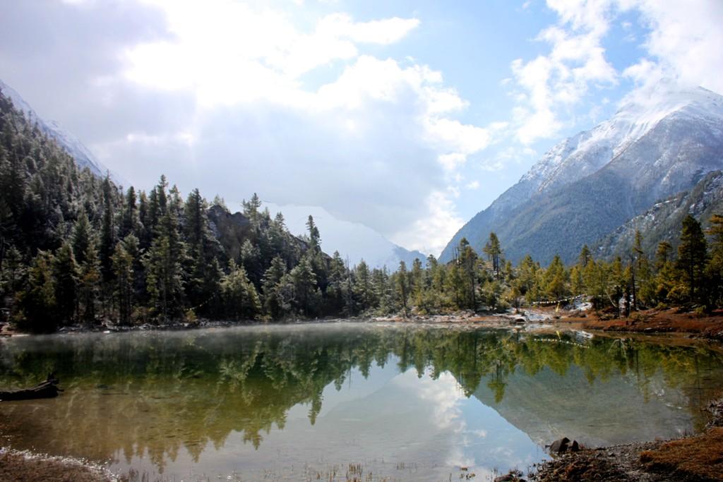 Spegelblankt i Himalaya