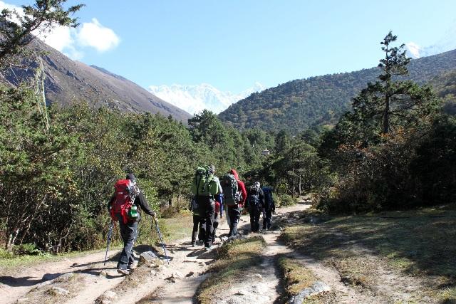 Vår vandring ut mot Everest BC - nästa anhalt Pheriche!