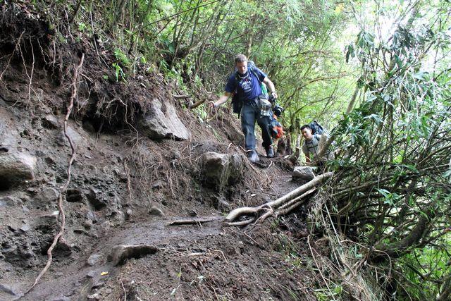 Jordskred gjorde vandringen till en utmaning på sina ställen!