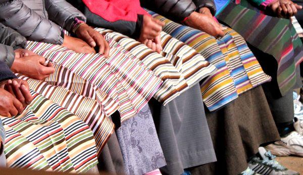 Sherpanis med deras angi (förkläden)