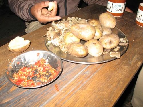 Kokt potatis med chili är en populär frukost bland Sherpafolket