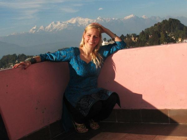 Hi On Life's guide Christina, där hon trivs som bäst, bland vita toppar!