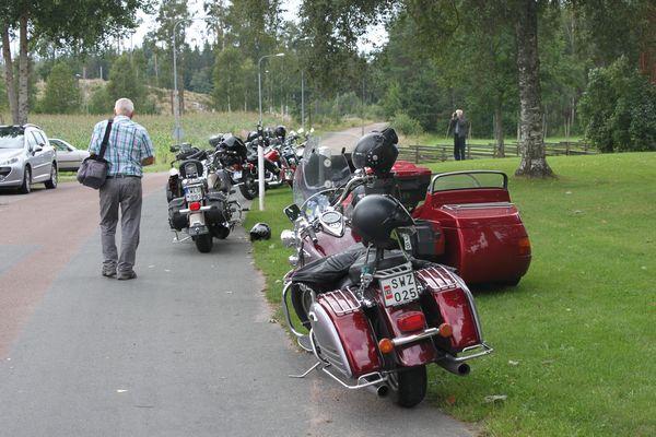 Många tjusiga motorcyklar