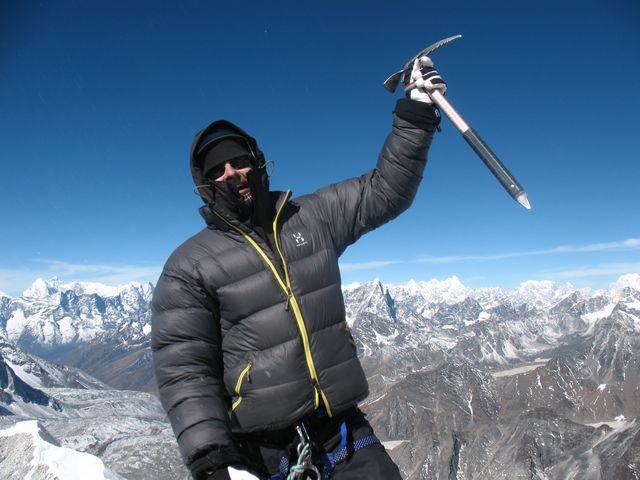 Ulf på 6.189 meter över havet - Toppen av Island Peak