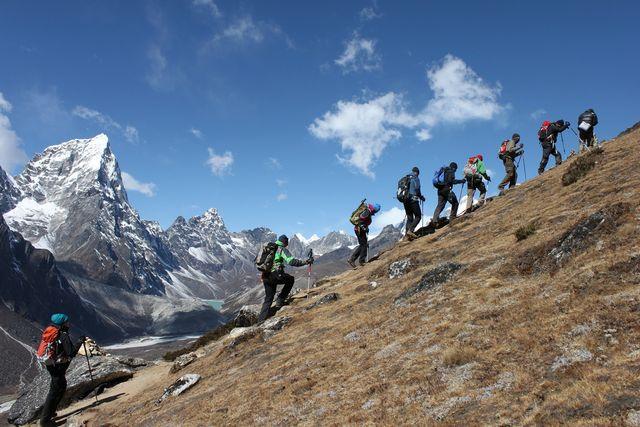 Trekking above Pehriche