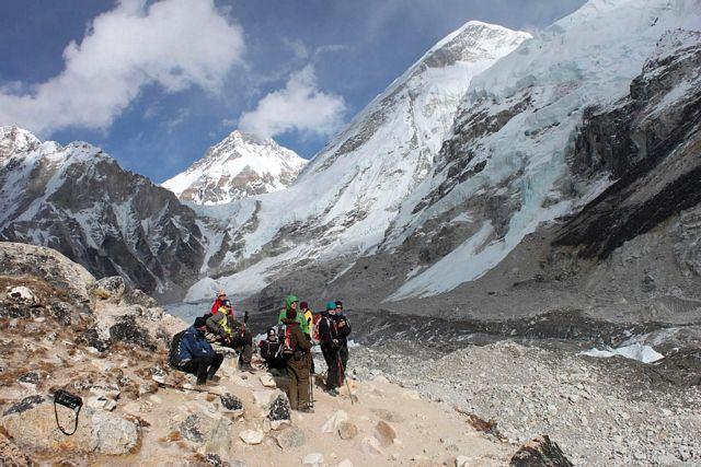 Vilopaus på Khumbu glaciären