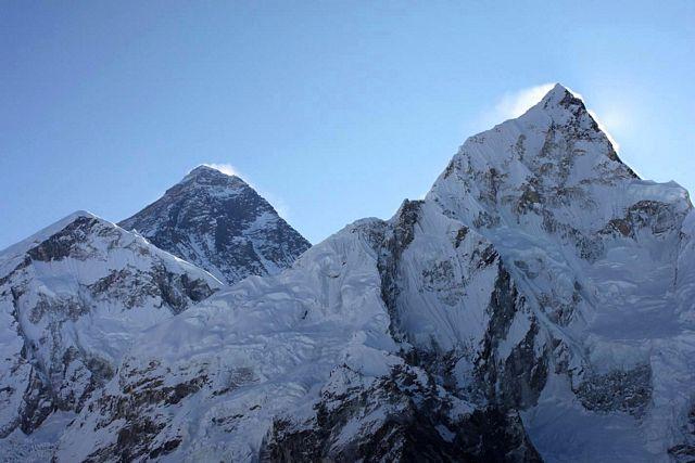 Första vyerna av Everest från Kala Pathar!