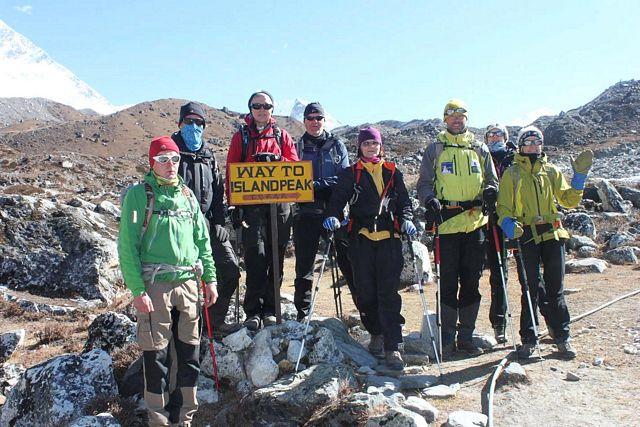 Och Saran tar med resten av gänget ut till Island Peak!