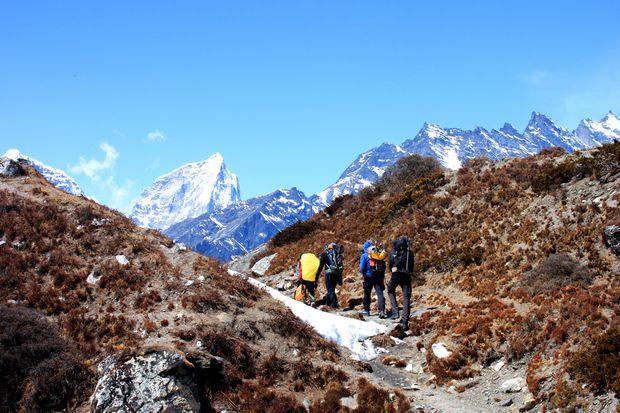 Vacker vandring tillbaka till Dingboche