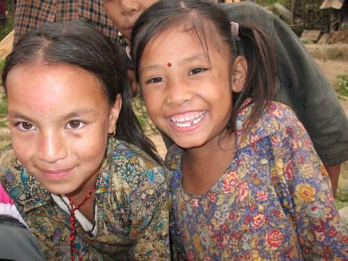 Glada flickor i Jiri