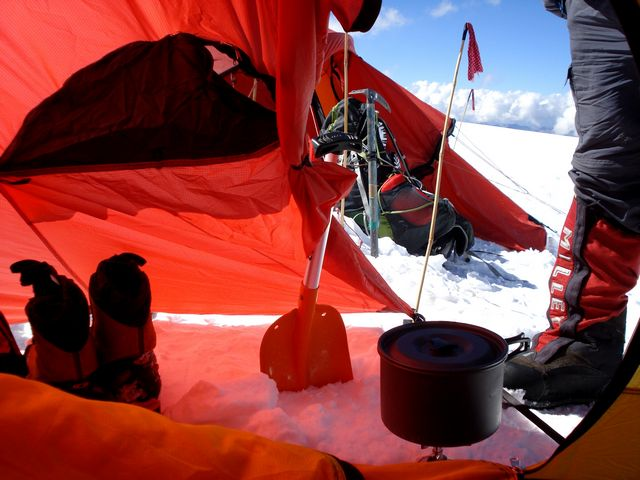 Putha Hiunchuli Expedition 7 246m.